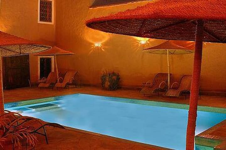 Kasbah Chamber Sahara / pool/ wifi/BB