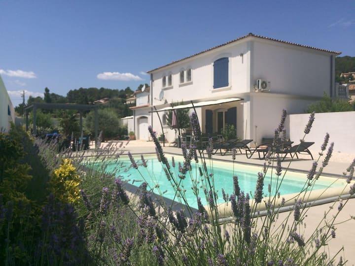 Luxusvilla in der Provence mit Pool & Klimaanlage