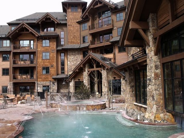 Grand Lodge at Peak 7-One Bedroom Avail. Sept. 1-8