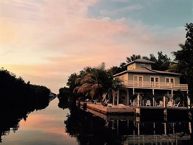 Come visit the American Caribbean @ Florida Keys