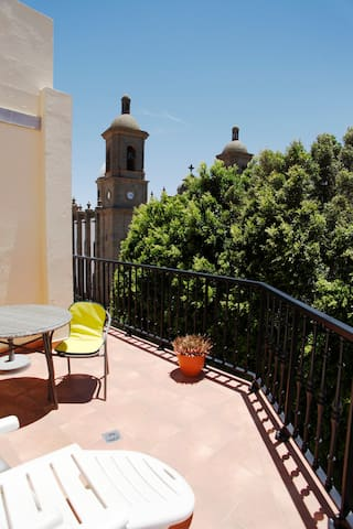 Cute apartment with views. Agüimes old town square
