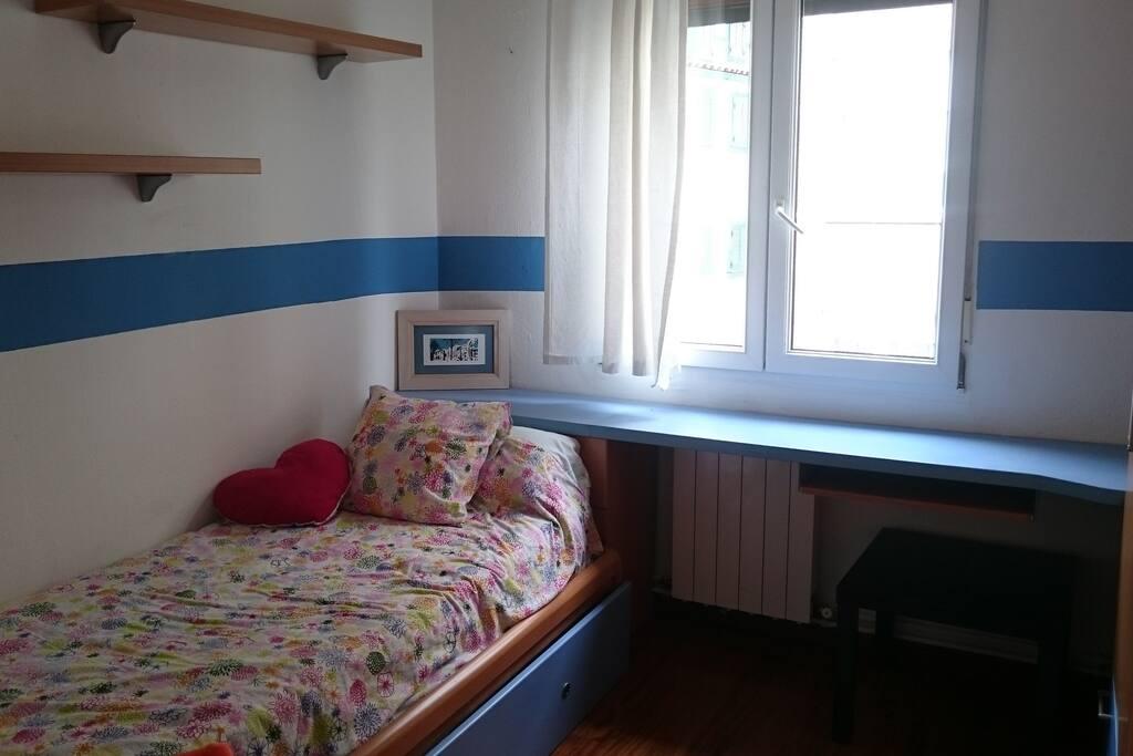 Piso de 3 habitaciones todo castro a pie apartamentos en alquiler en castro urdiales - Pisos de alquiler castro urdiales ...