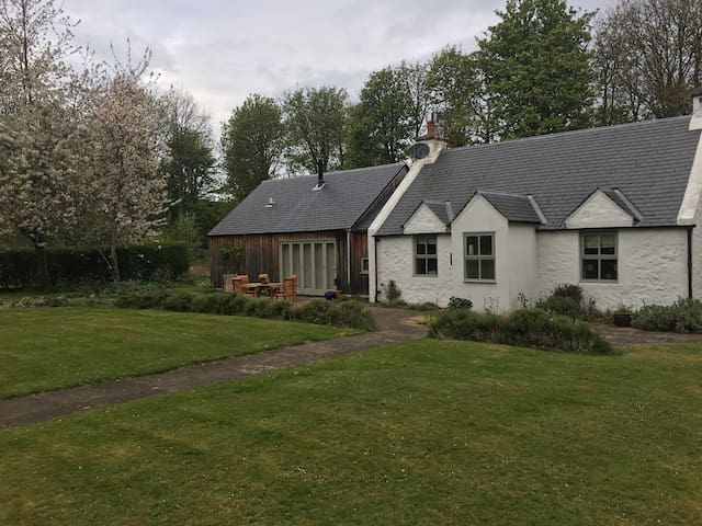 West Drive Cottage - East Linton - House