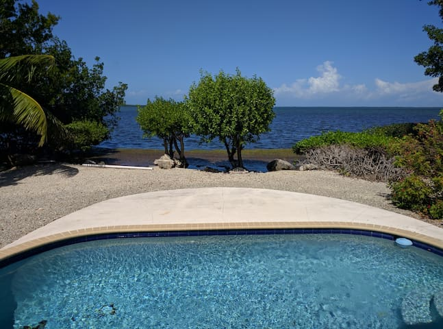 private bedroom/bath, endless island views, pool - Big Pine Key