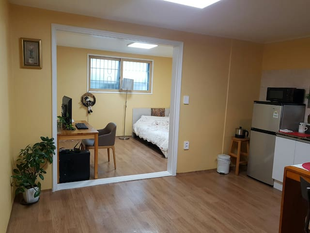 1 bedroom apartment in Bangbae Cafe Alley