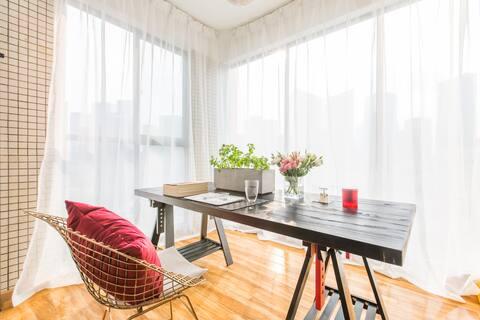 [Gloria's Home]超大工作阳台简约舒适公寓/成都软件园CBD一号线天府三街地铁口