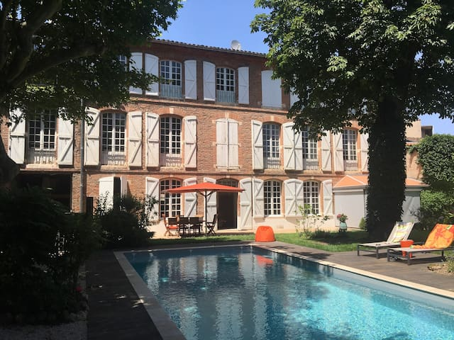 Suite 2/4 pers-Piscine. Albi Plein centre. Parking