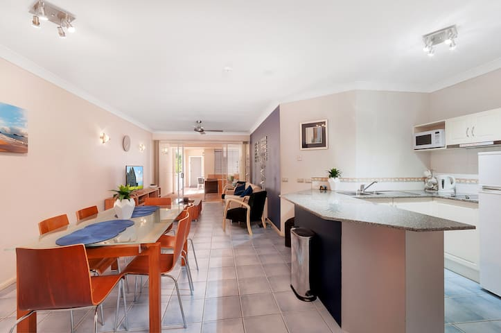 This large and airy main living are is fully equipped with everything you need to make your stay comfortable and enjoyable. This includes free wifi.