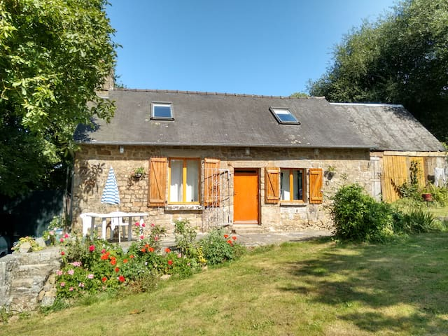 2-bed cottage in a lovely peaceful setting - Louvigné-du-Désert - บ้าน