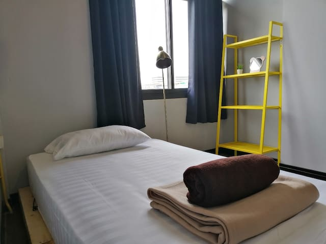 Single bed @Sukhumvit 64 (walk 6 mins to BTS)