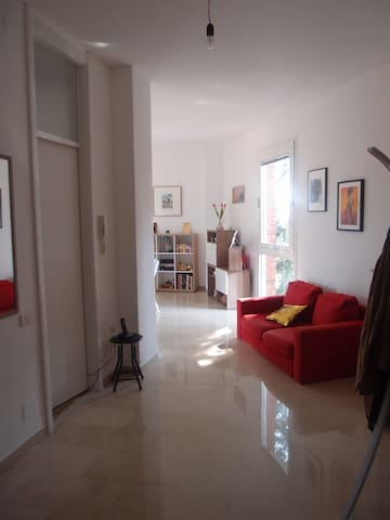 Nice flat in the center of Varese with balcony - Varese - Lakás
