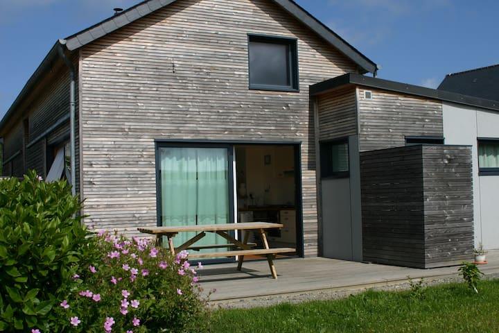 Chouette maison bois près de plages - Cancale - Huis