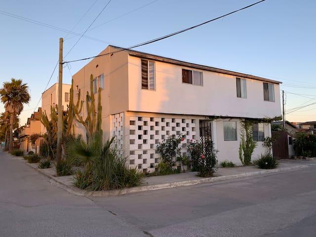 Cuarto estilo hostel a tres cuadras de la playa
