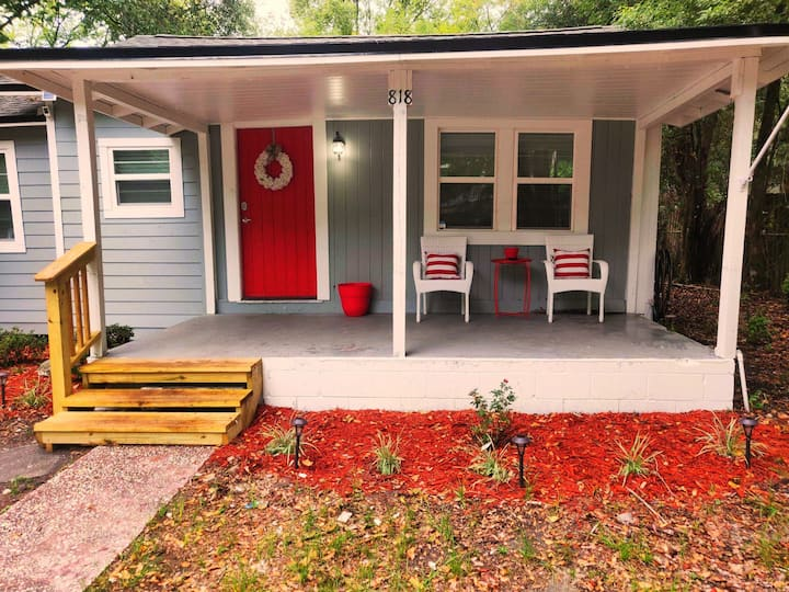 Cove Cottage.   Downtown Green Cove Springs!
