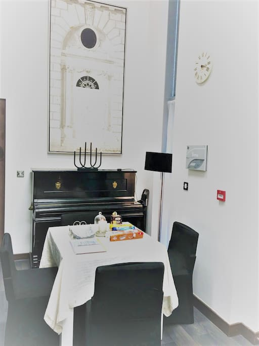 dining with the piano