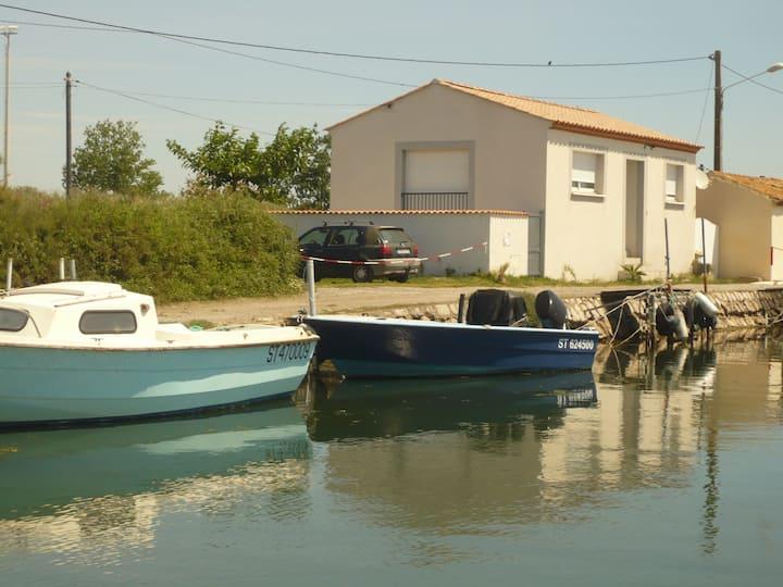 La petite maison au bord du canal - T2 - 63 m2