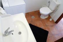 bañera lavabo wc y lavadora