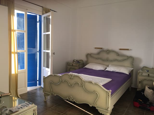 Traditional apartment for 2-4 pax b