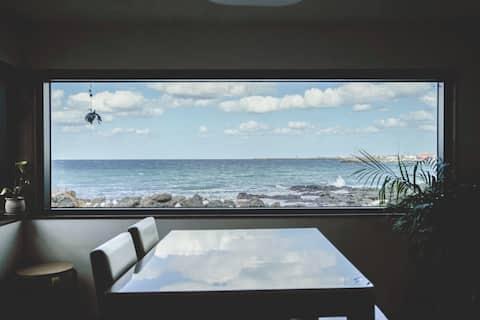 Lovely Ocean views Cottage.d