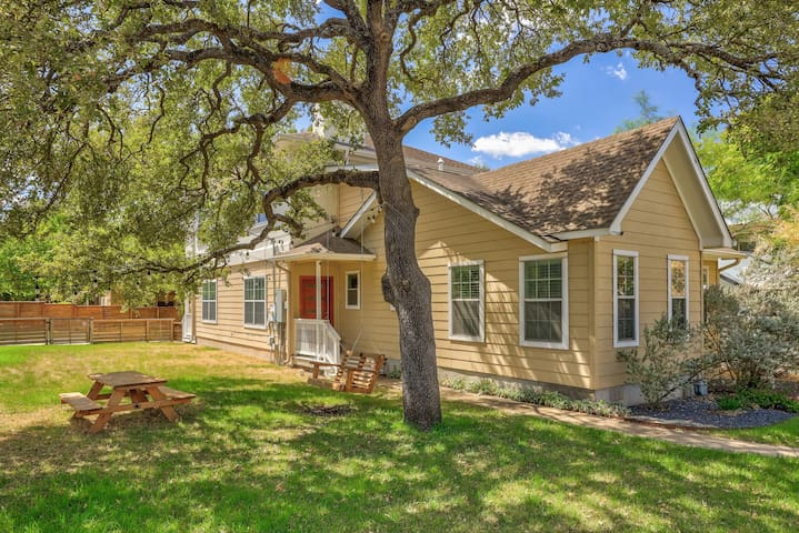 Bouldin Beauty w/ Master Retreat, Garage Apartment, + Yard | Professionally Cleaned + Hosted By GuestSpaces