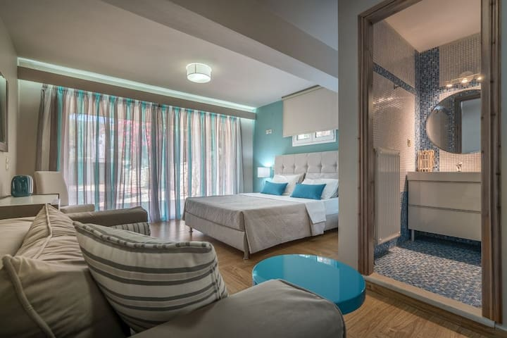 Eleonas Villa 4-Bedroom Private Pool Villa - Galaro