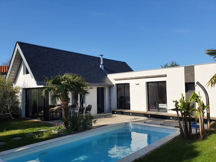 Villa plage- 5 mn centre Pornic-  piscine chauffée