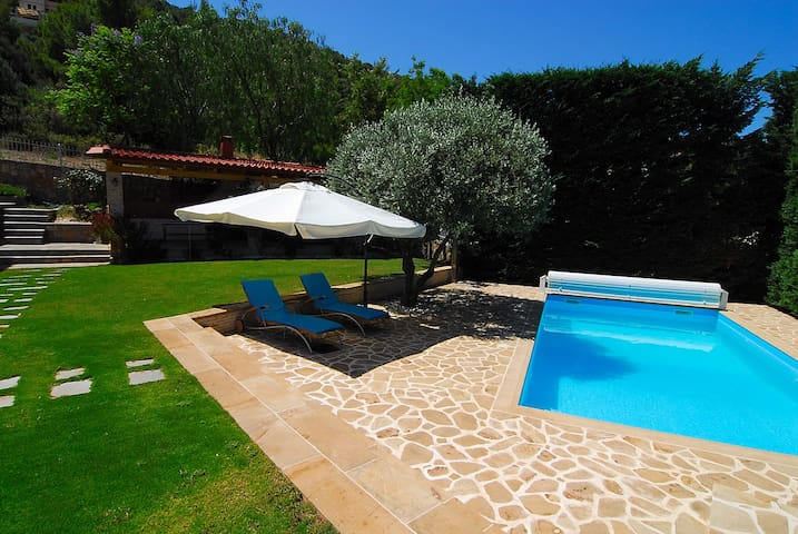 The Sea Breeze House - Private Pool and BBQ - Theologos
