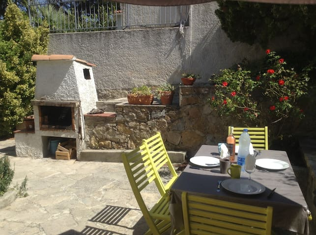 Maison à Portissol proche de la plage - Sanary-sur-Mer - Talo