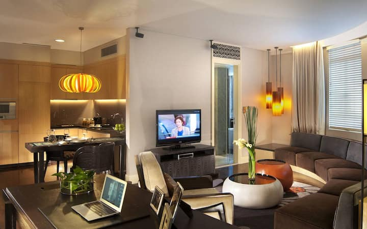 A Slice of Heritage in the City/Finlayson Suite