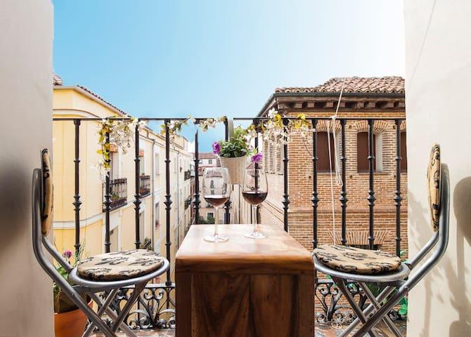 Central Madrid beautiful exterior apartment - Madrid - Casa