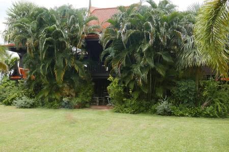 Ruen Thai House & Gardens (10 mins to Surin town)