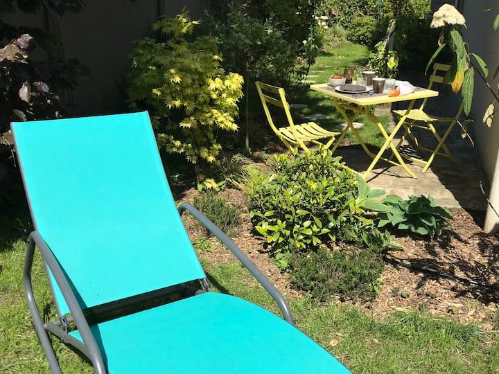 Appartement cosy, indépendant avec jardin
