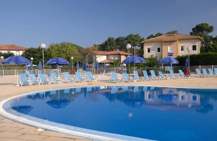 Sun Hols Villas Du Lac 210 - Quality 2 Bed Villa near Golf Courses, South West Coast, France
