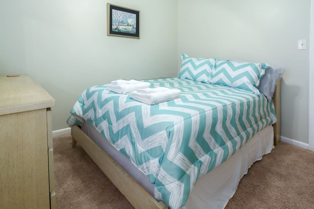 Full bed with foam topper, plenty of dresser room! Each room has hypoallergenic sheet/mattress protectors and fresh linens and towels