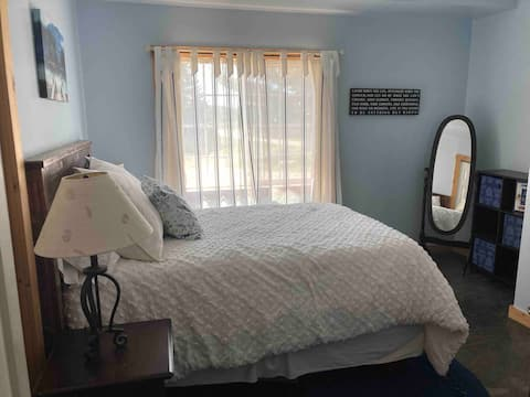 Firefly Retreat-- private 2 BD Apt in Northland