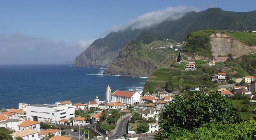Moradia Penha d' Águia - Porto da Cruz