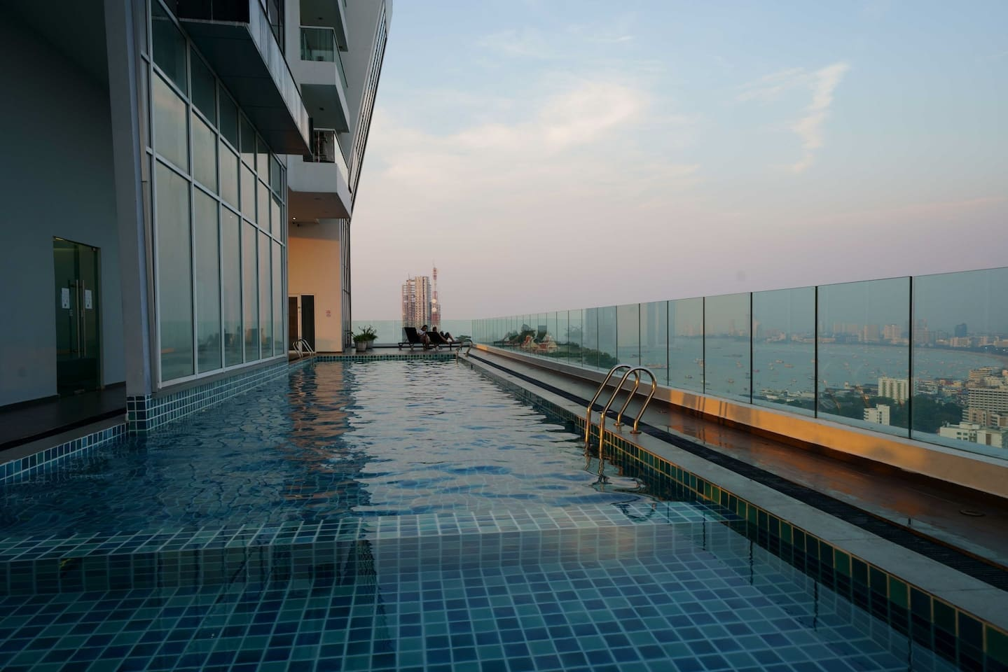 Amazing views from the Swimming pool on 20´th floor