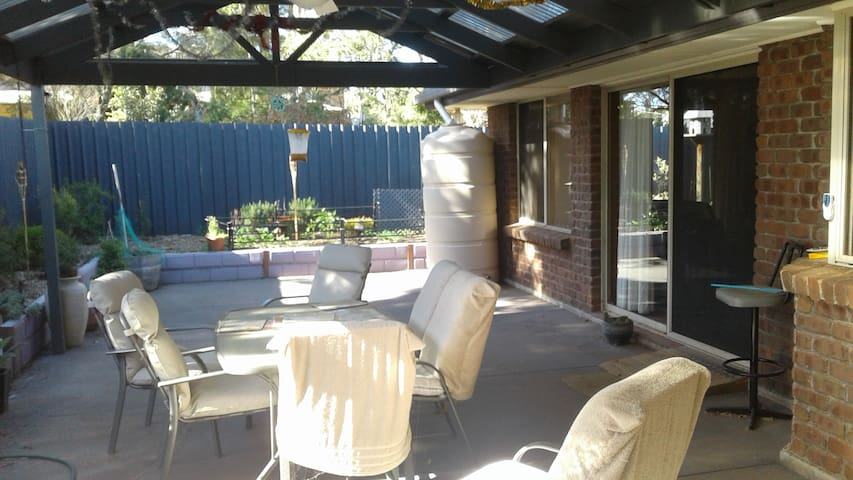 Gawler queen beds - same price for 1 or 2 bedrooms - Gawler East - Hus