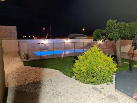 Narbonne 3*- villa pour 8 personnes, piscine chauf