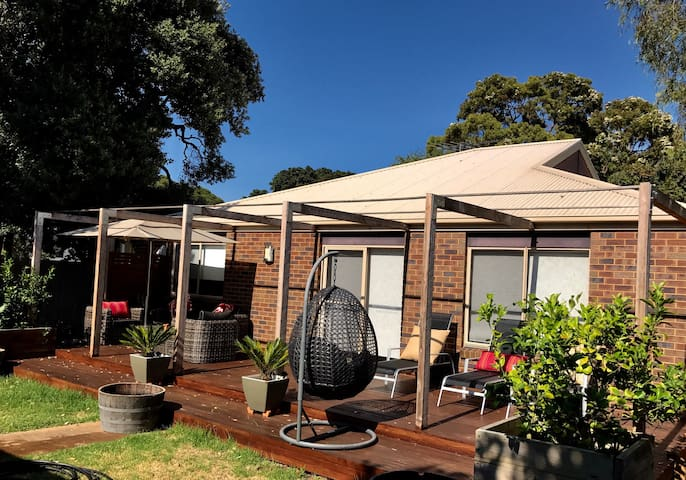Spacious & much-loved beachside holiday escape - Cowes - Casa