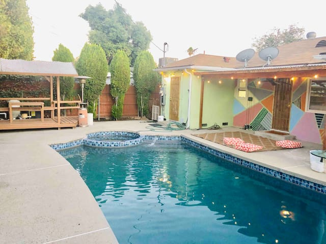 Ideal vacation in LA heated pool/jacuzzi/cabana
