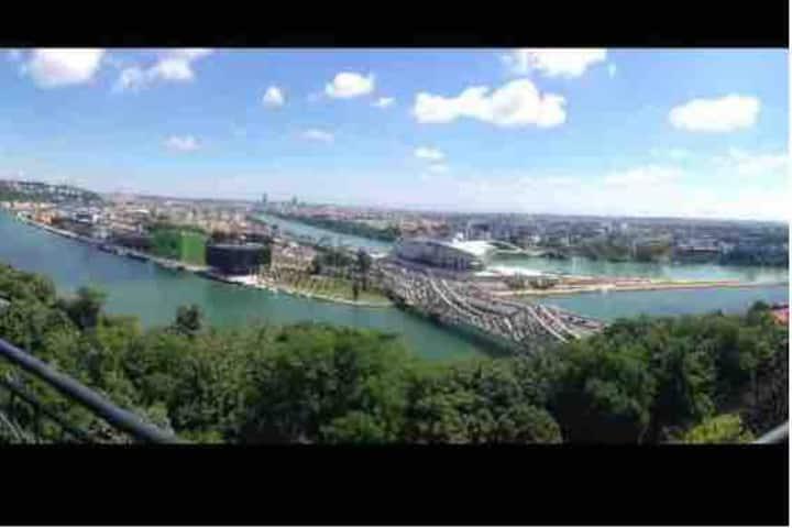 2 chambres avec vue sur Lyon