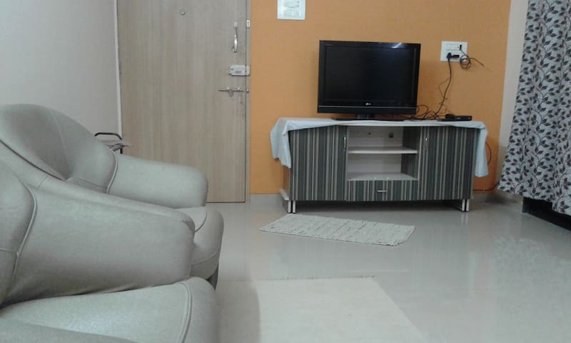 2BHK Airy Spacious Fully Furnished Flat in Baner
