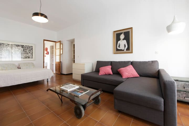 Artist's House in Palafrugell Suite