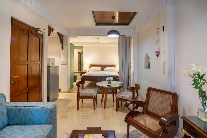 Boutique Cozy Chic Studio@Hauz Khas Village
