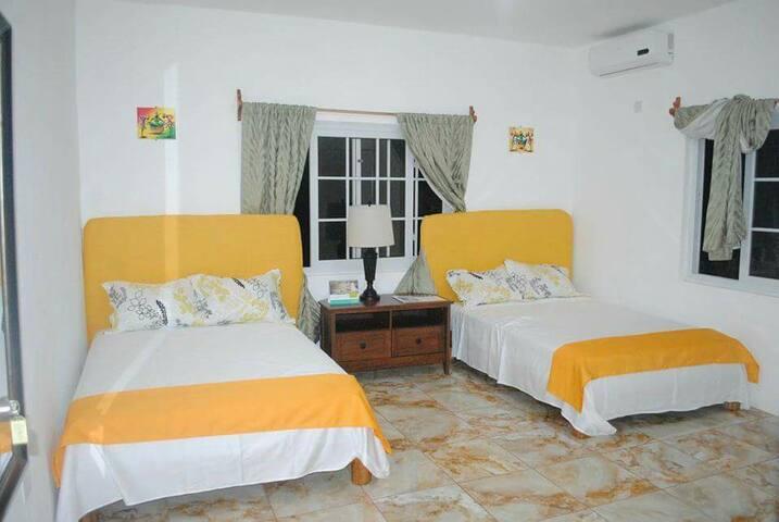 Villa Juanita Room 4