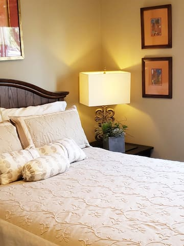 Sorrento Valley Room -Taupe Room