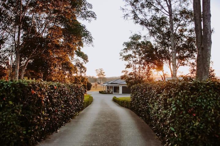 Laurina Estate Countryside Getaway