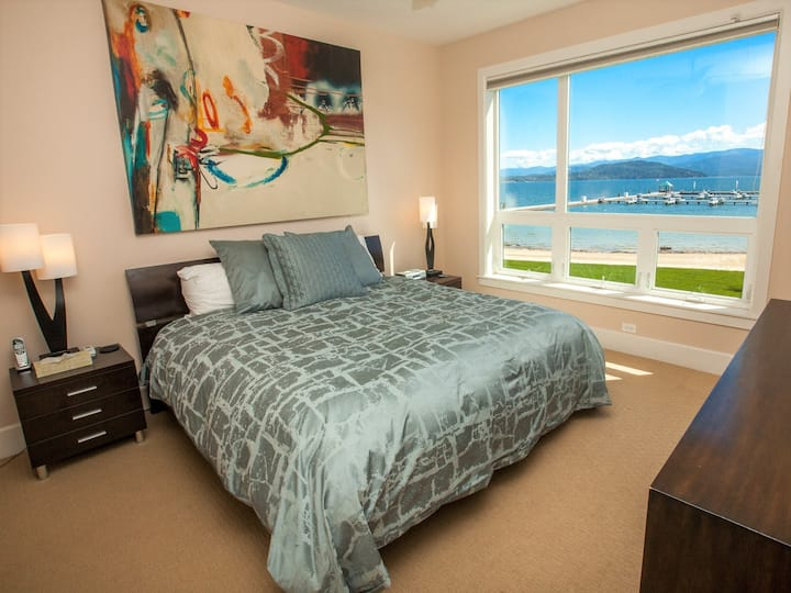 Seasons at Sandpoint - Corner Condo w/ Rare Access from Lanai| 2 Bedroom, 2 Bathroom