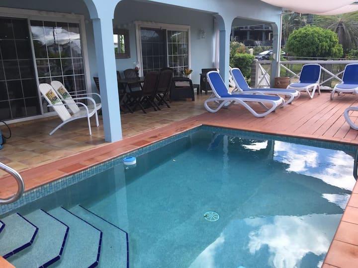 Spacious Garden & Pool Home